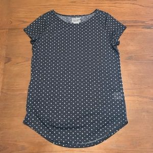 Simply styled top size Small
